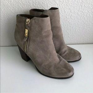 Aldo Booties Size 9 Suede Block Heel Gray Taupe Side Zip